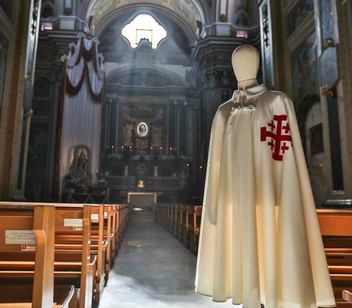 mantello cavaliere santo sepolcro 1