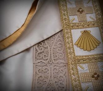 camice sacerdotale
